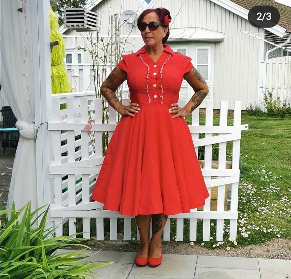 Glinder röd klänning